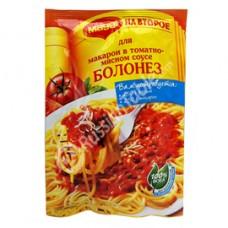 """Maggi"" pasta in tomato-meat sauce"