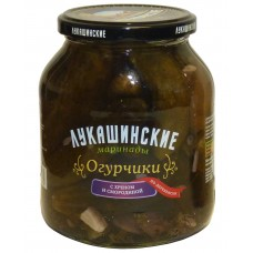 """Pickled cucumbers Village style  """"Lukashinskie"""" with Horseradish and Currant Leaves"""
